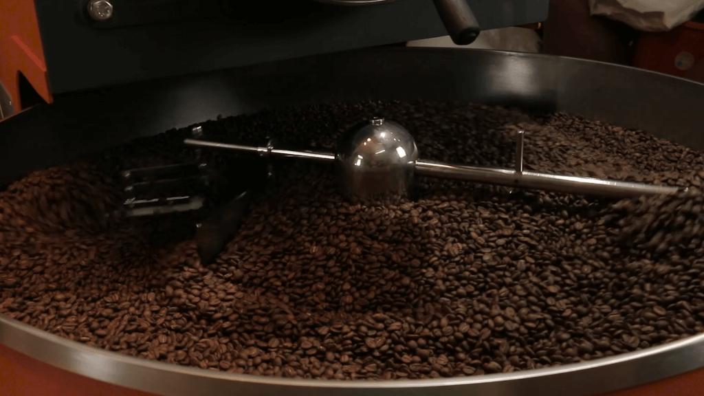 Quy trình rang xay, chế biến đóng gói cà phê hiện đại