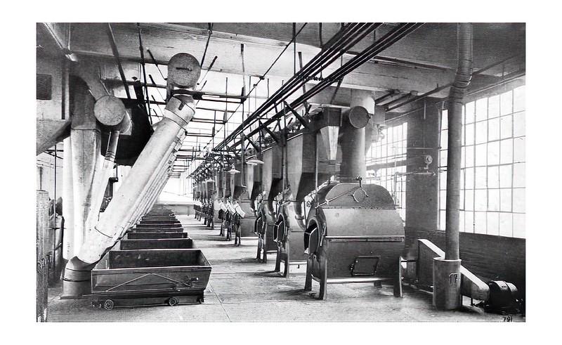 Hệ thống 12 máy rang tại nhà máy Jewel Tea Co., Hoboken, N.J với công suất 1,000 gói cà phê mỗi ngày
