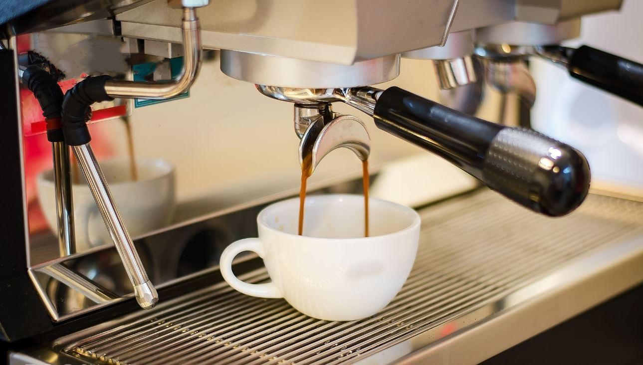 Cách pha cà phê bằng máy đem đến những cốc cà phê thơm ngon