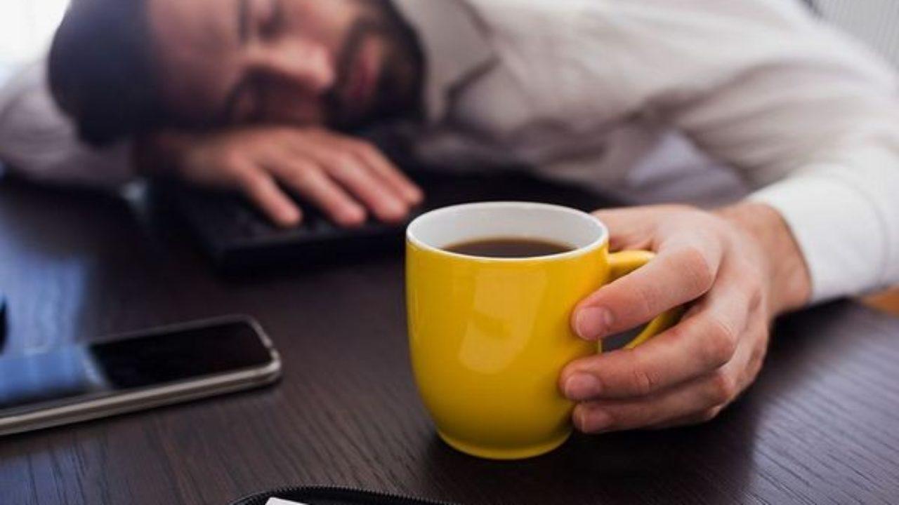 Uống cà phê khi mệt mỏi